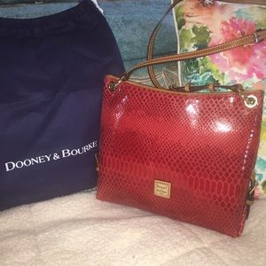NWOT Dooney & Bourke leather shoulder/crossbody